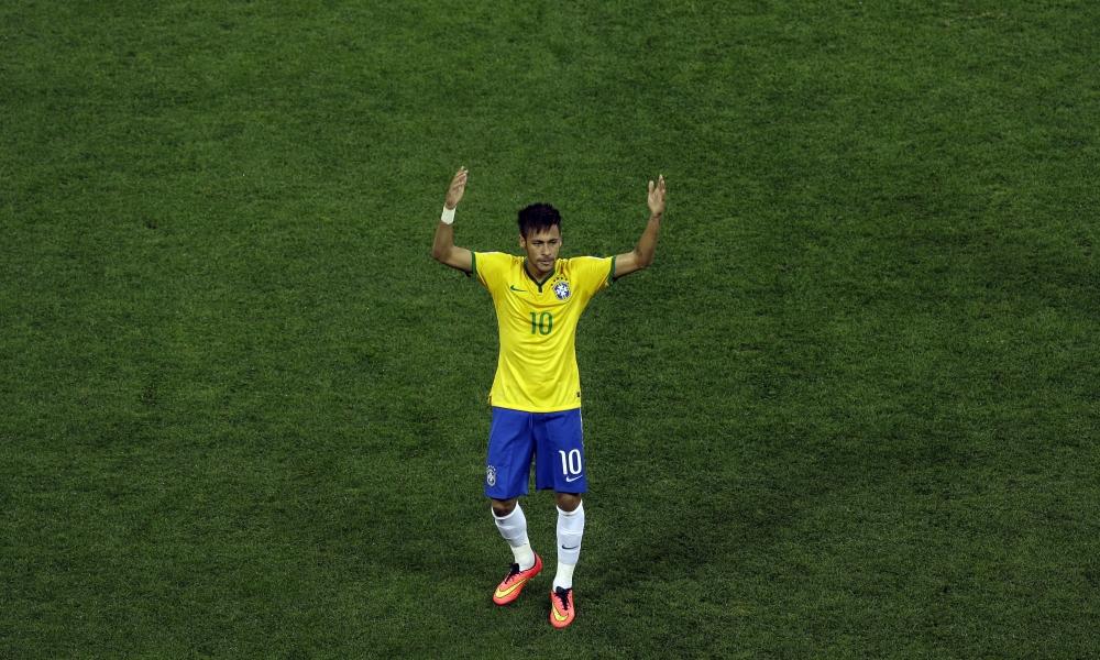 Neymar con la camiseta de Brasil - 1000x600