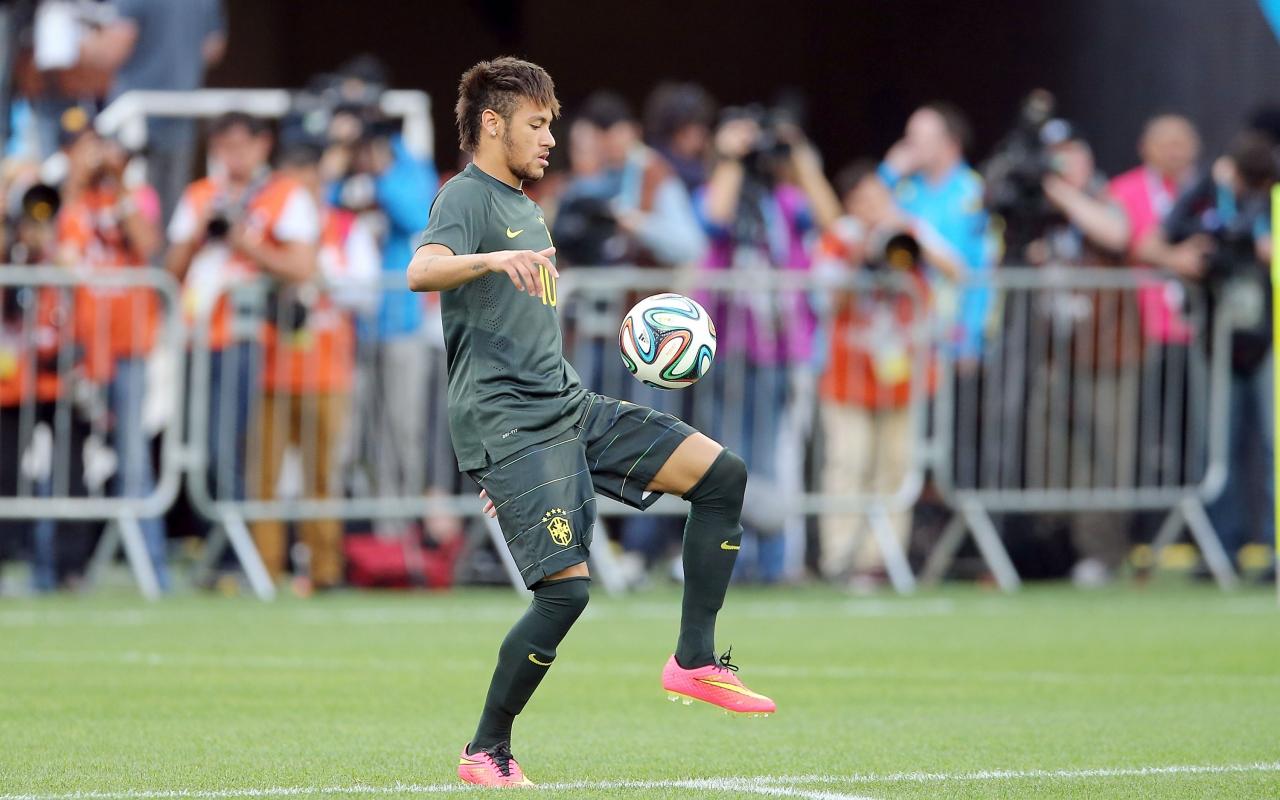 Neymar y el Brazuca - 1280x800