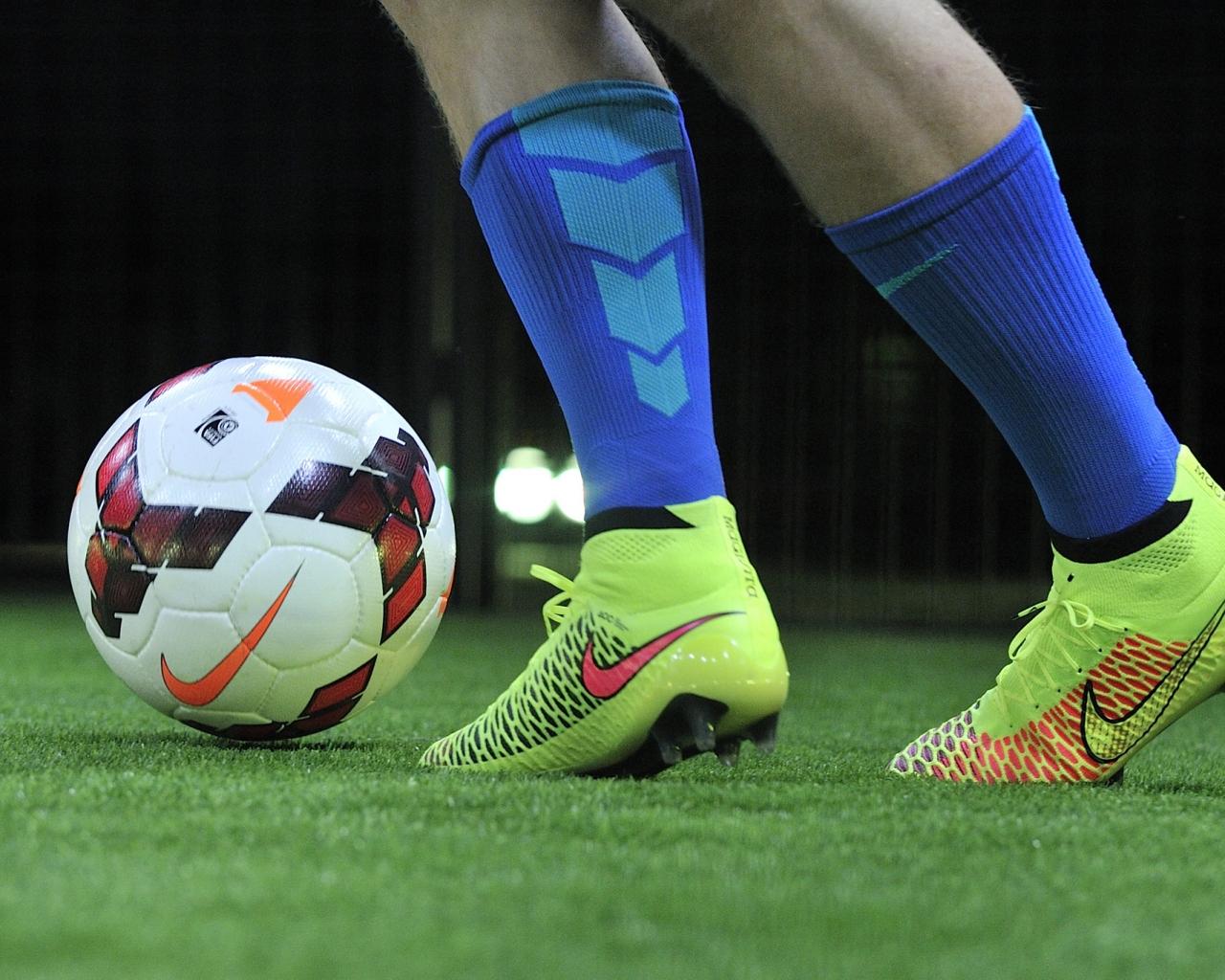 Pelotas Y Chimpunes Nike Hd 1280x768: Pelotas Y Chimpunes Nike Hd 1280x1024