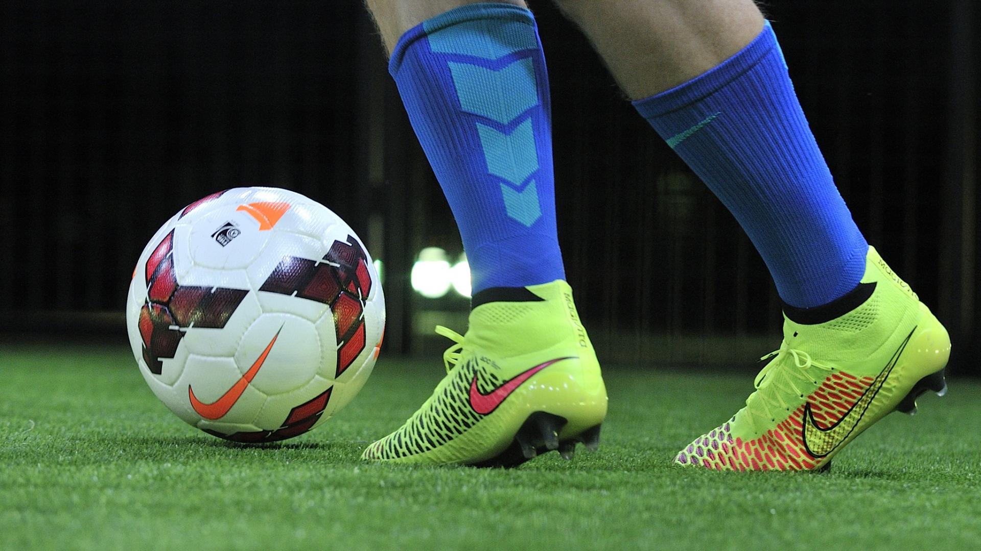 Pelotas Y Chimpunes Nike Hd 1280x768: Pelotas Y Chimpunes Nike Hd 1920x1080
