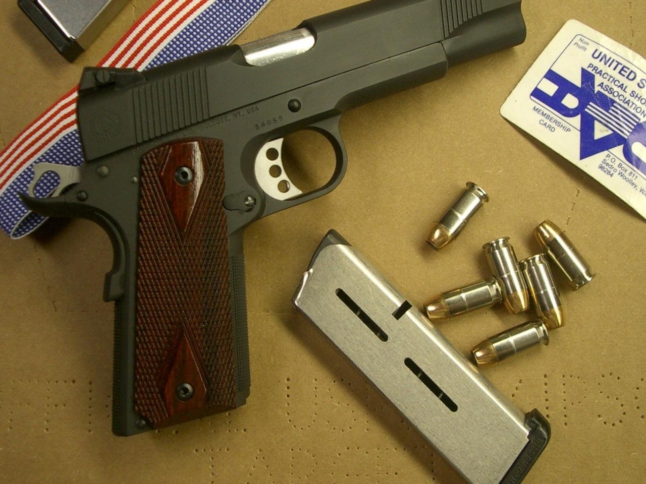 Pistolas y cacerinas - 1280x960
