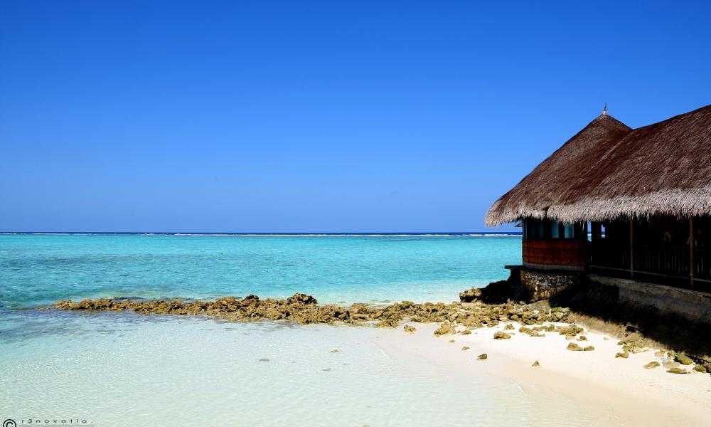 Playas de aguas celestes - 1000x600