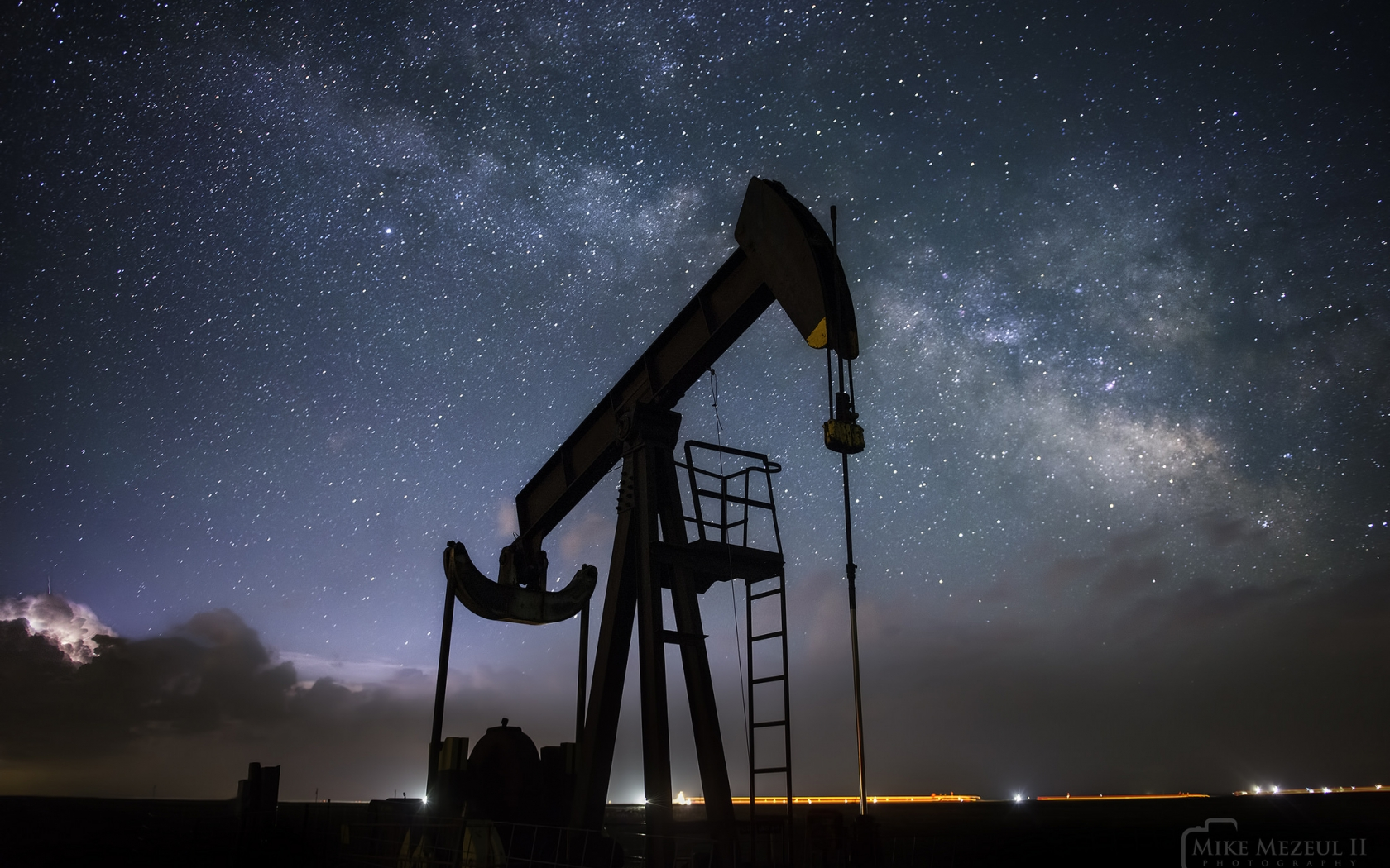 Un caballito petrolero - 1680x1050
