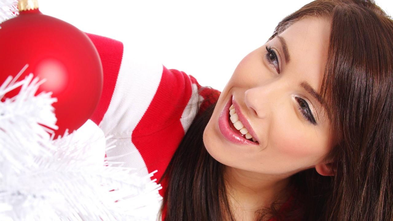 Una chica hermosa en navidad - 1280x720