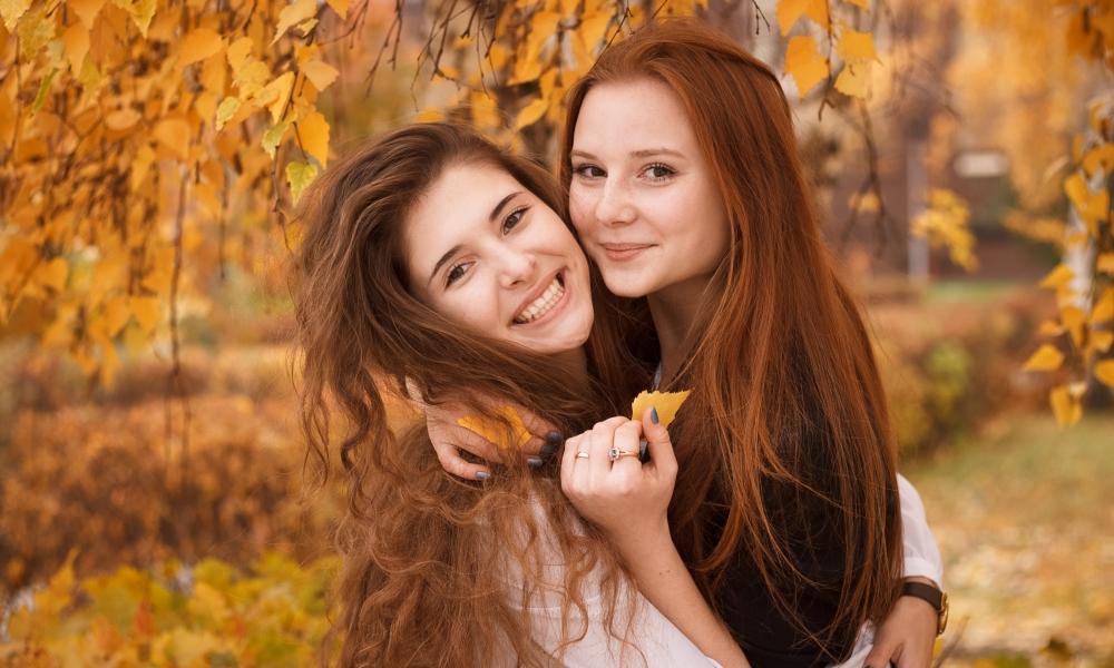 Bellas chicas pelirrojas - 1000x600