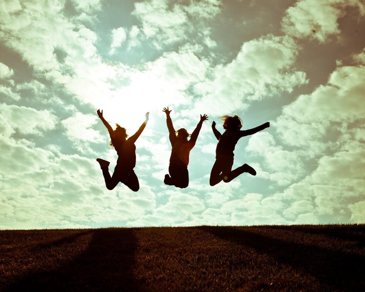 Chicas saltando - 1280x1024