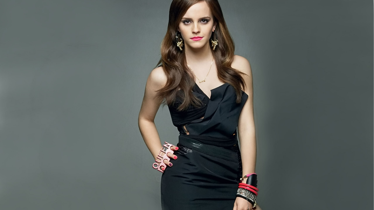 Emma Watson con vestido negro - 1280x720