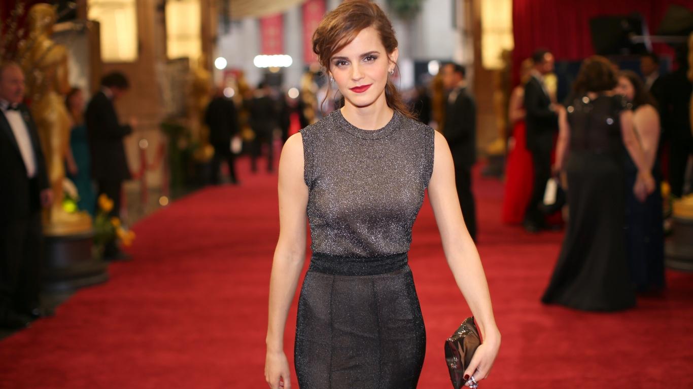 Emma Watson en Hollywood - 1366x768