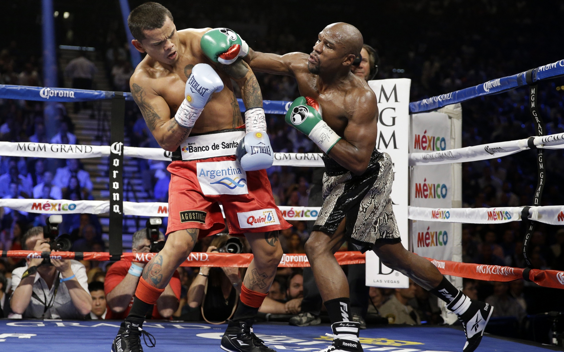 Floyd Mayweather peleando - 1920x1200
