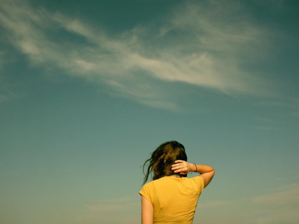 Fondo de pantalla con chica - 1024x768