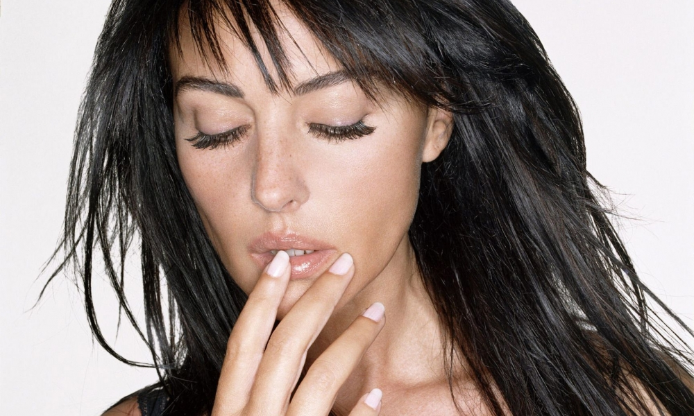 Monica Bellucci, chica Bond - 1000x600