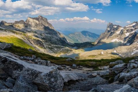 Panorámica de Montañas y lagos - 480x320