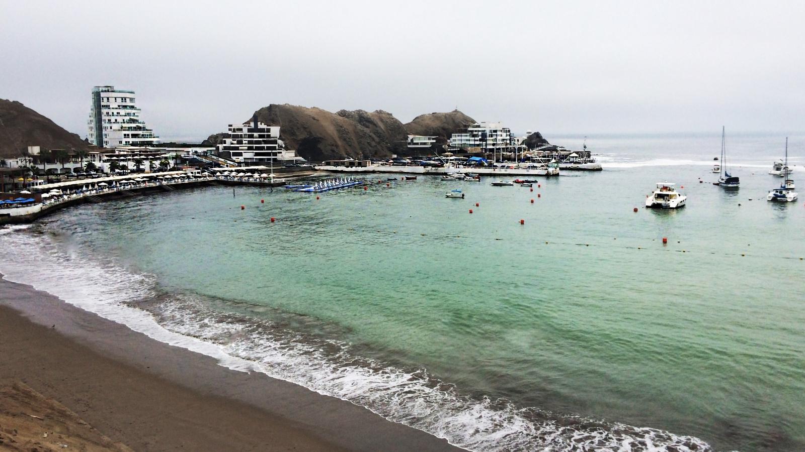 Playa Los Embajadores - Lima Sur - 1600x900
