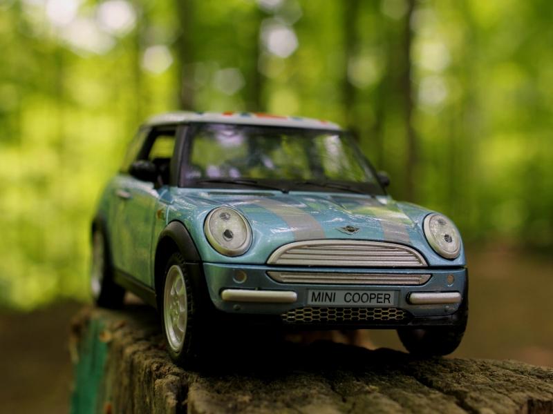 Un mini cooper de juguete - 800x600