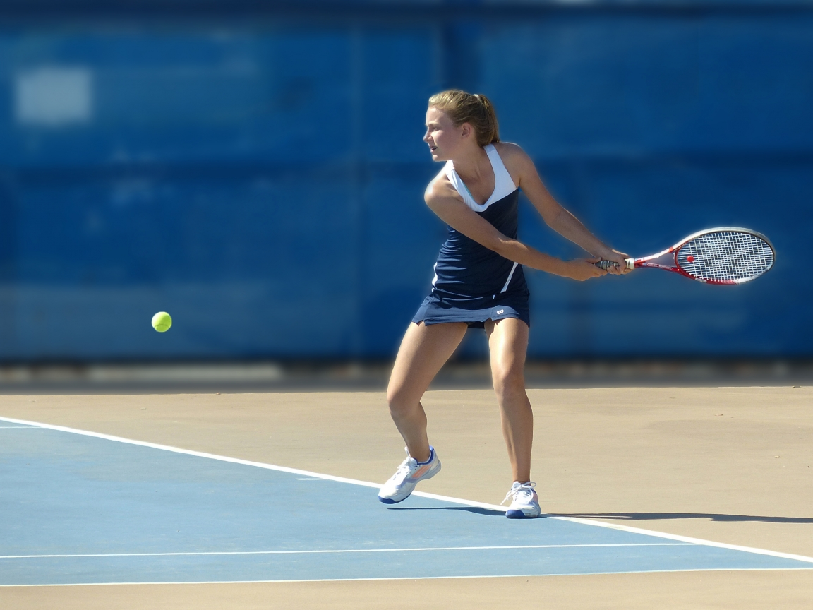 Chicas jugando tenis - 1152x864