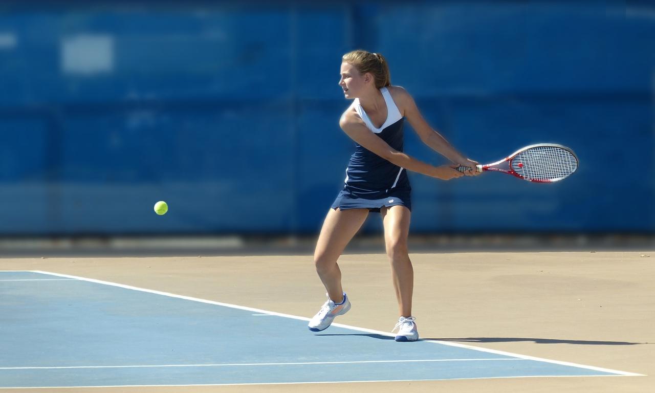 Chicas jugando tenis - 1280x768