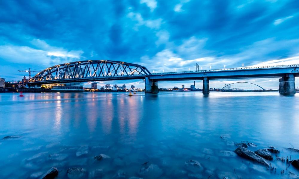 El puente en Nijmegen - 1000x600