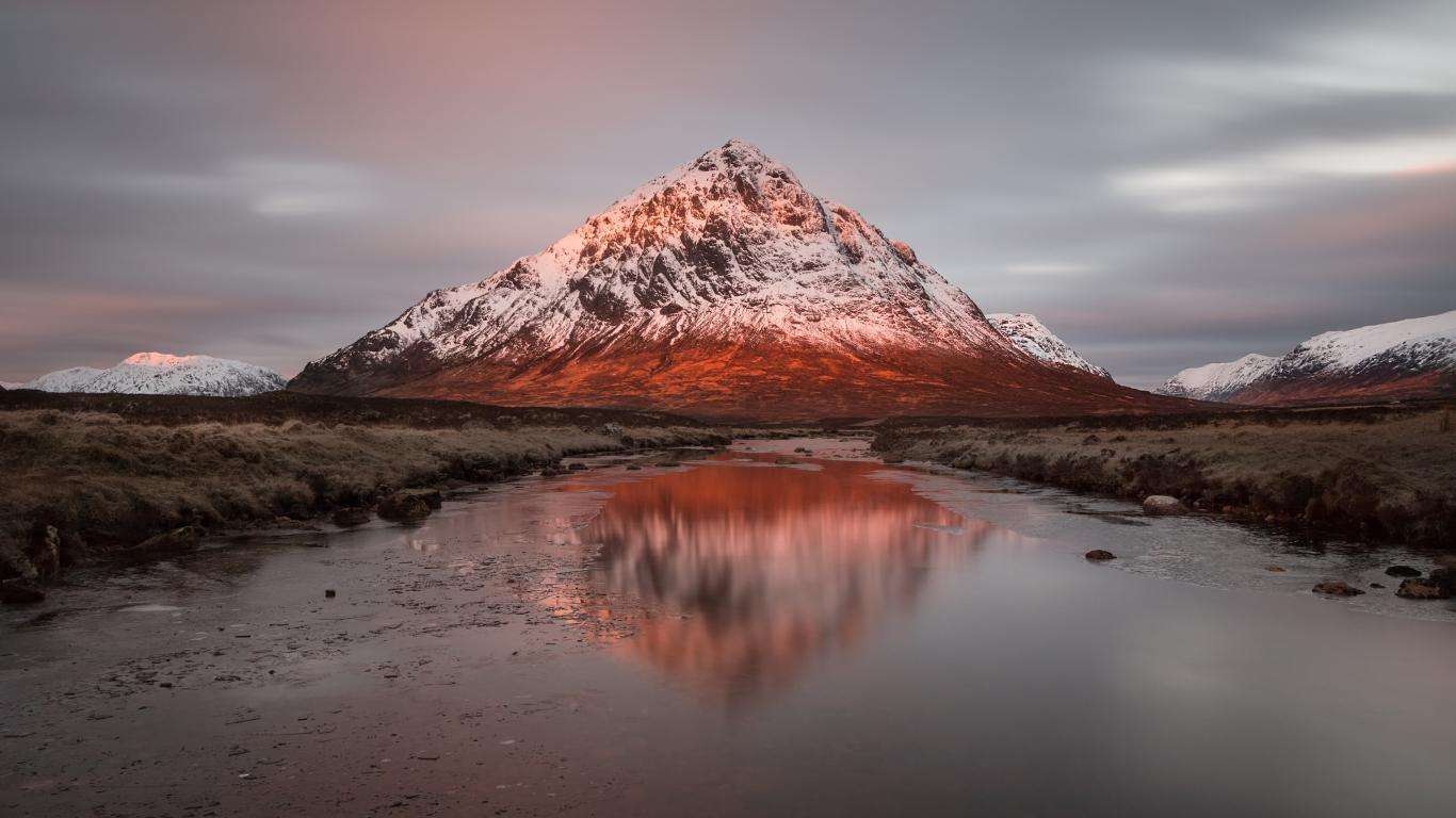 Montañas y lagos - 1366x768