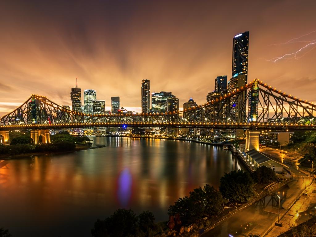 Fotografía de puentes y rayos - 1024x768