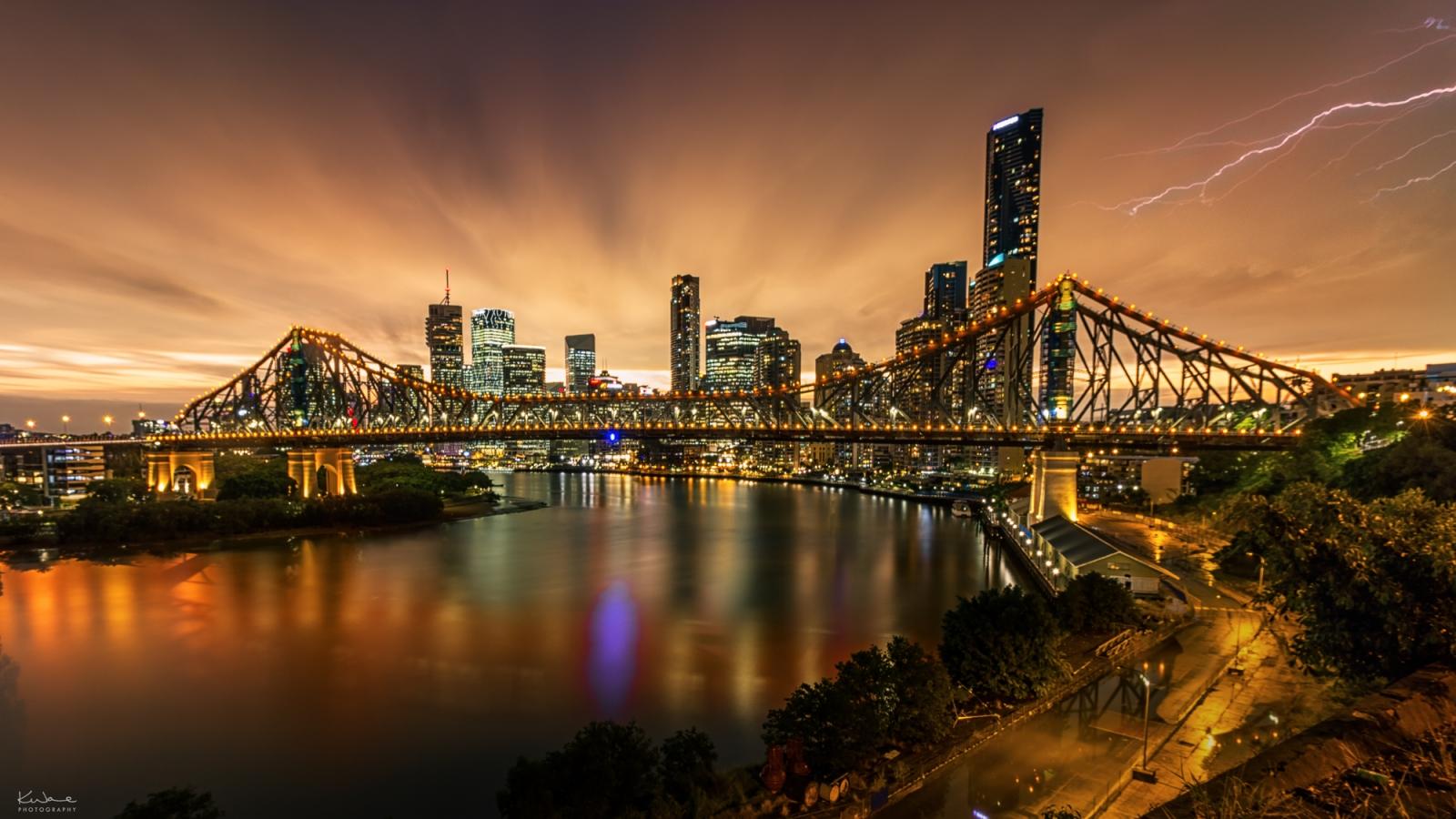 Fotografía de puentes y rayos - 1600x900