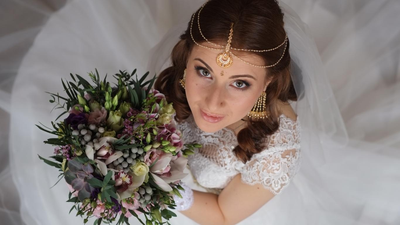 Peinados de novias - 1366x768