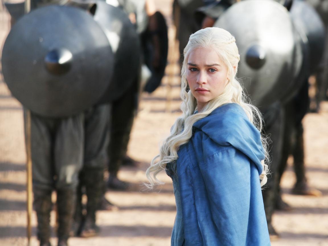 Daenerys Targaryan y los soldados - 1152x864