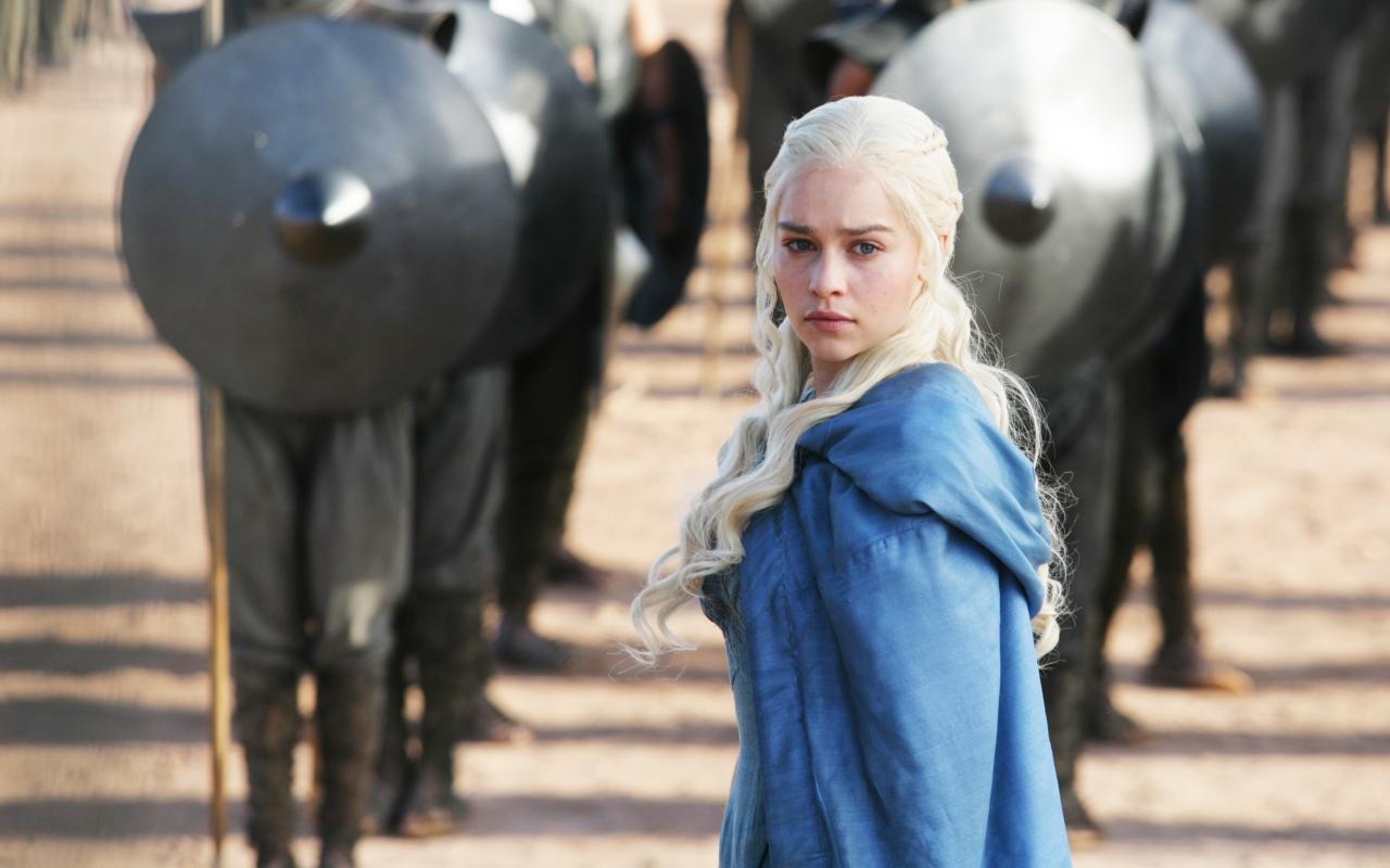 Daenerys Targaryan y los soldados - 1280x800