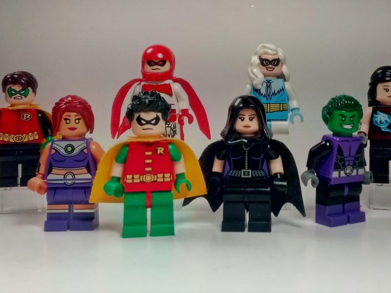 Muñecos de lego de super héroes - 800x600