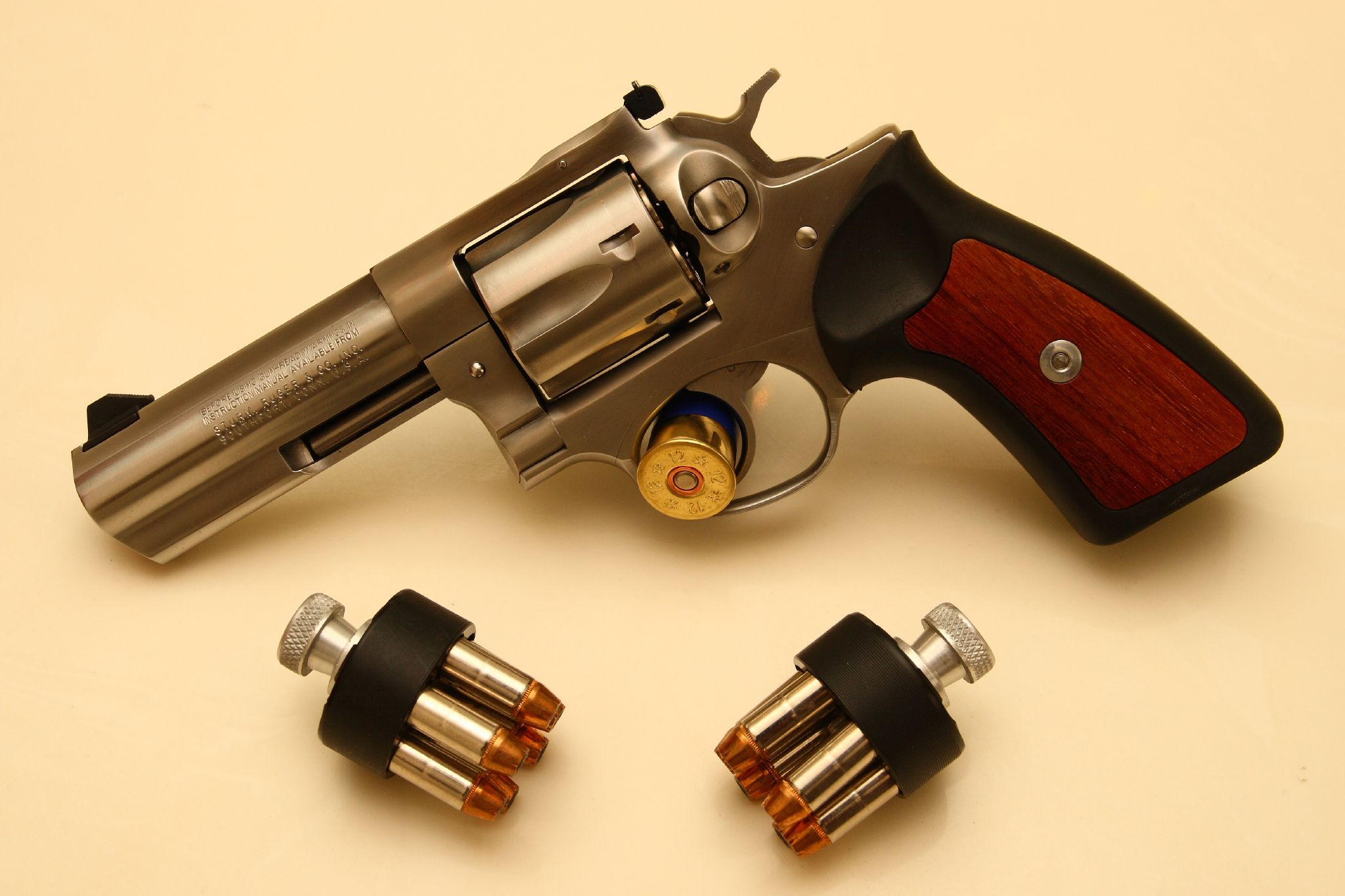 Revolver de lujo - 2048x1365