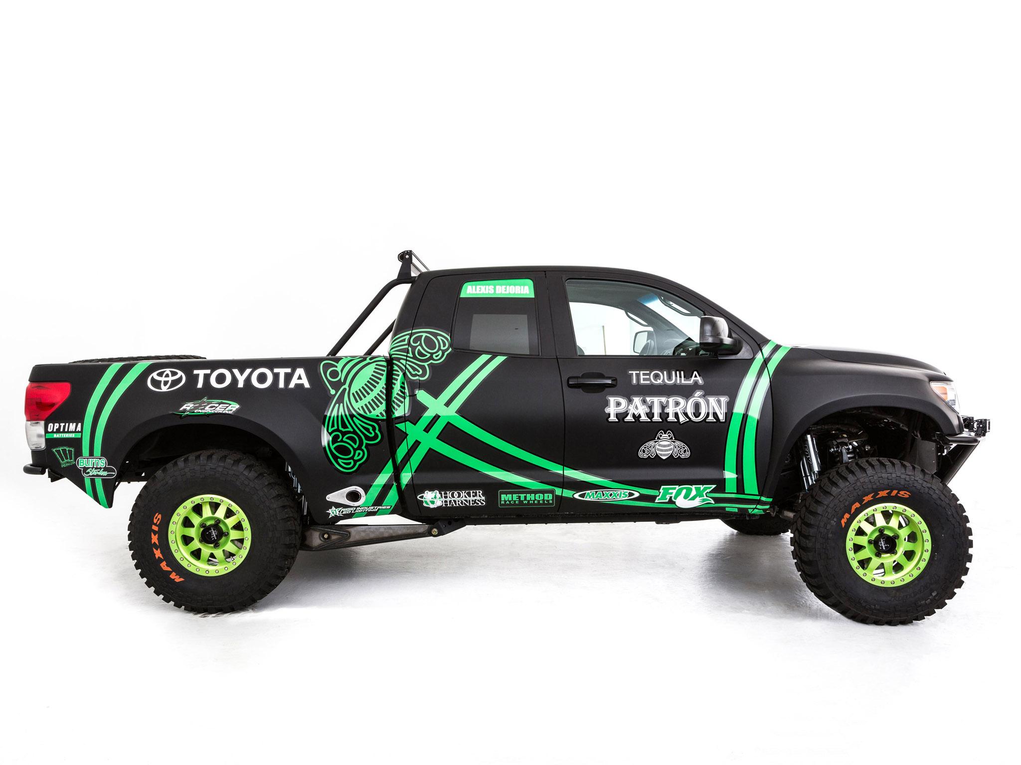 Toyota Tundra Pre-Runner - 2048x1536