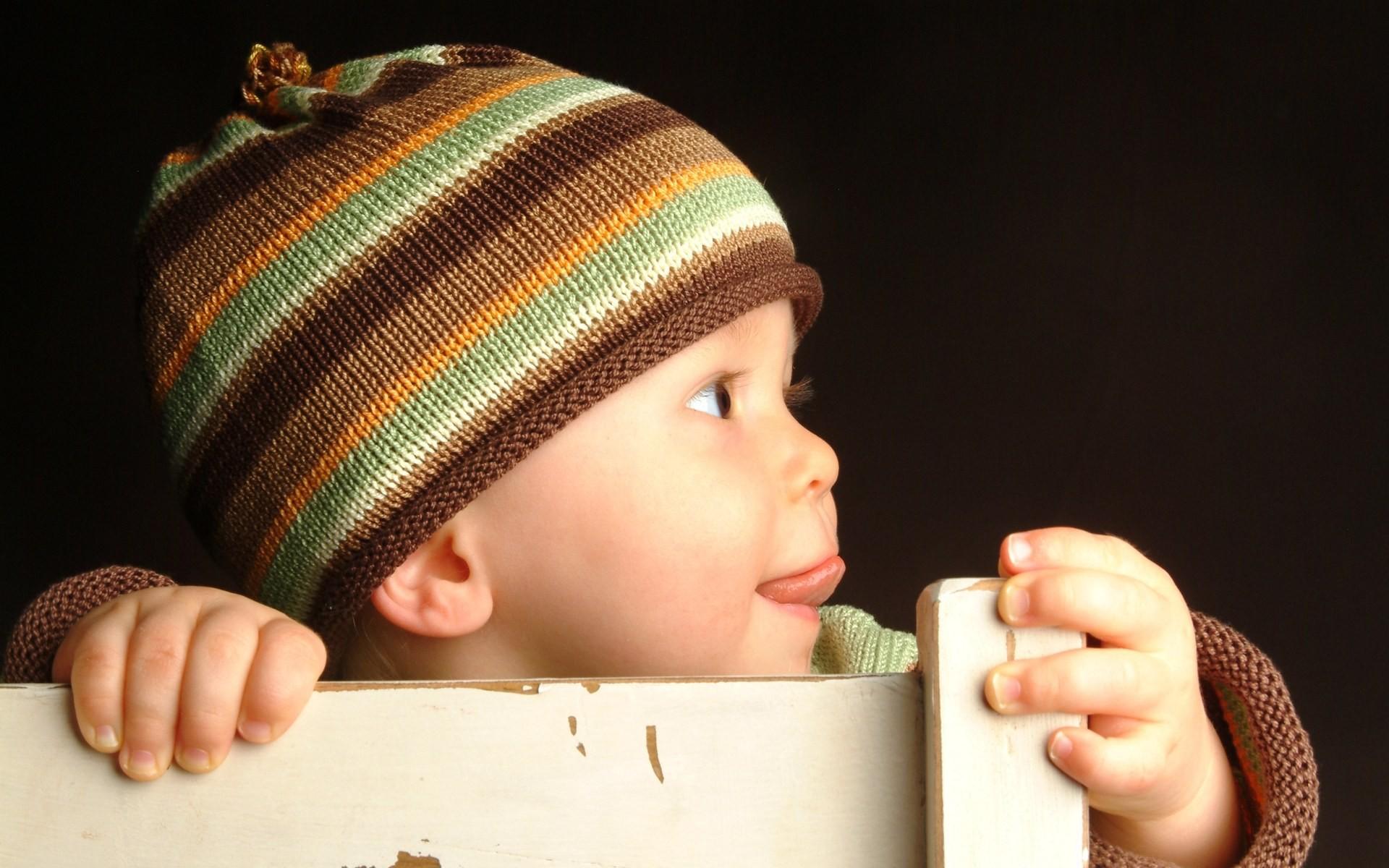 Un bebe sonriente - 1920x1200