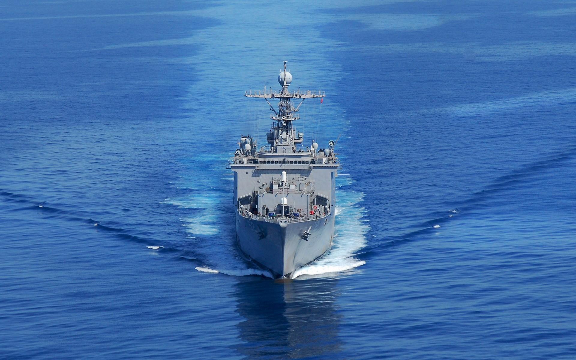 Un buque en el mar - 1920x1200