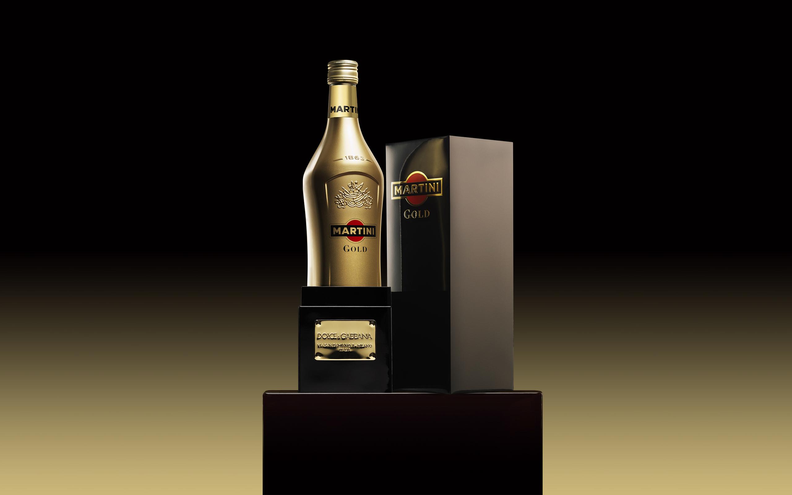 Un Martini Dorado Gold - 2560x1600