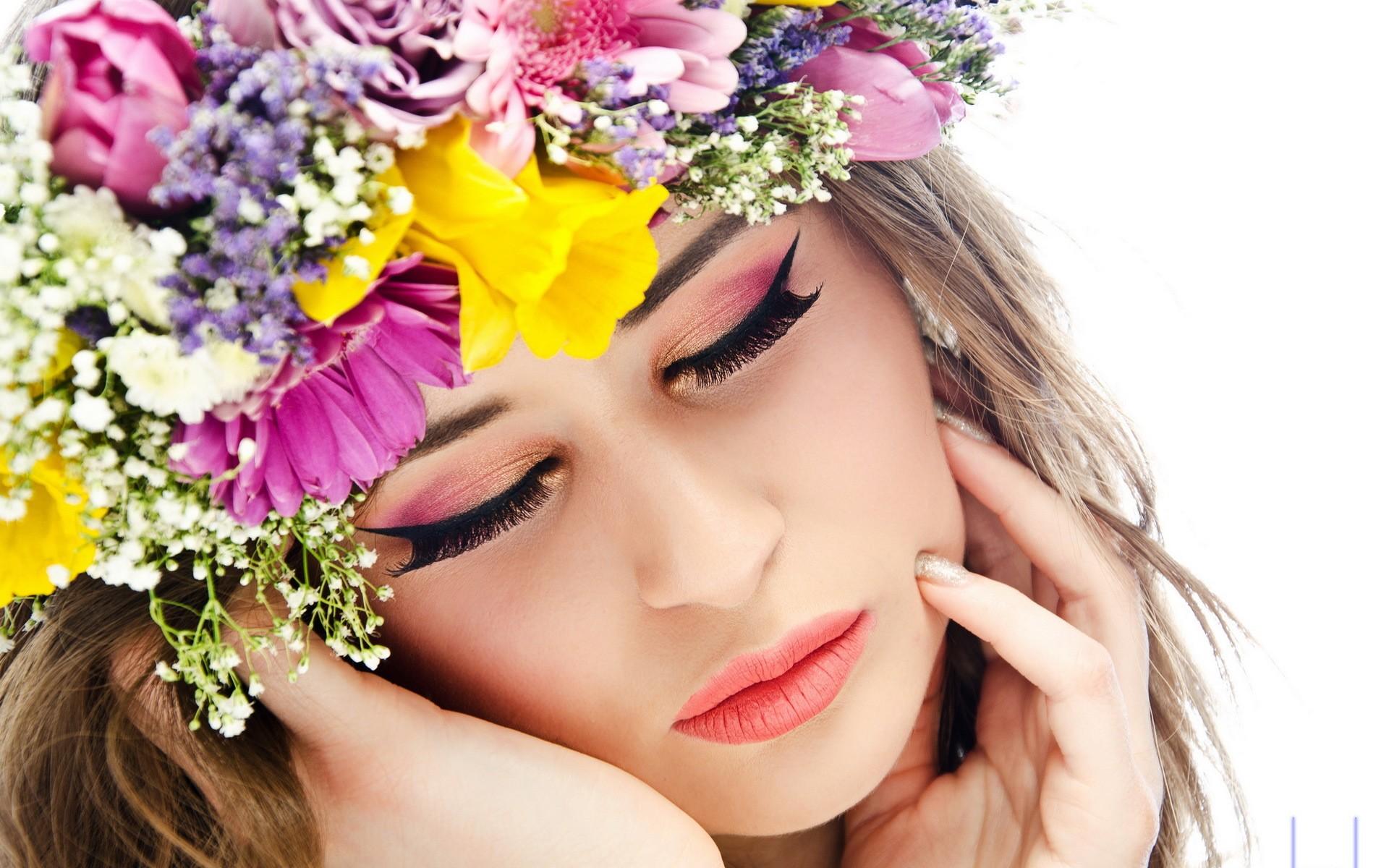 Una chica y corona de flores - 1920x1200