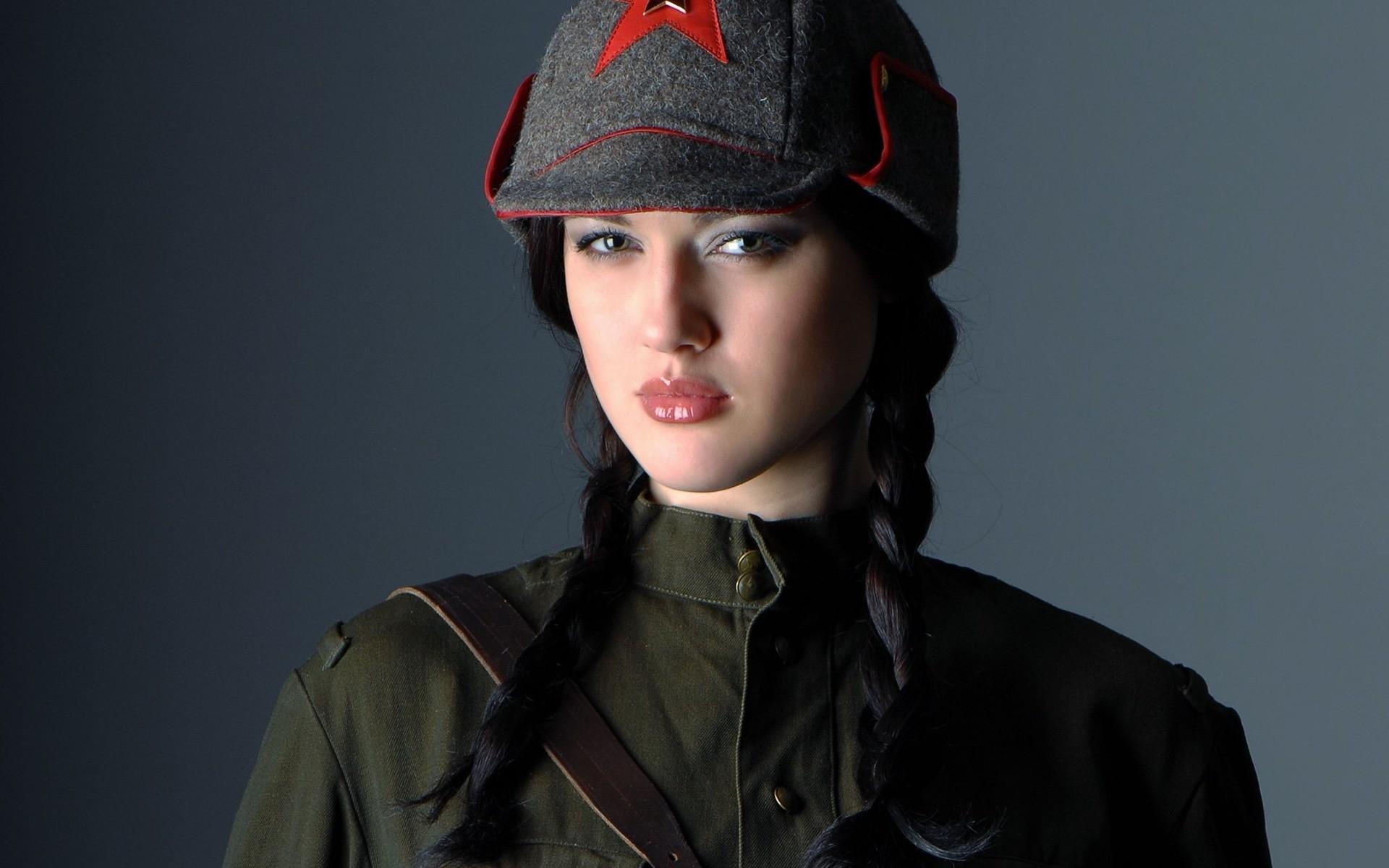 Una linda soldado - 1920x1200