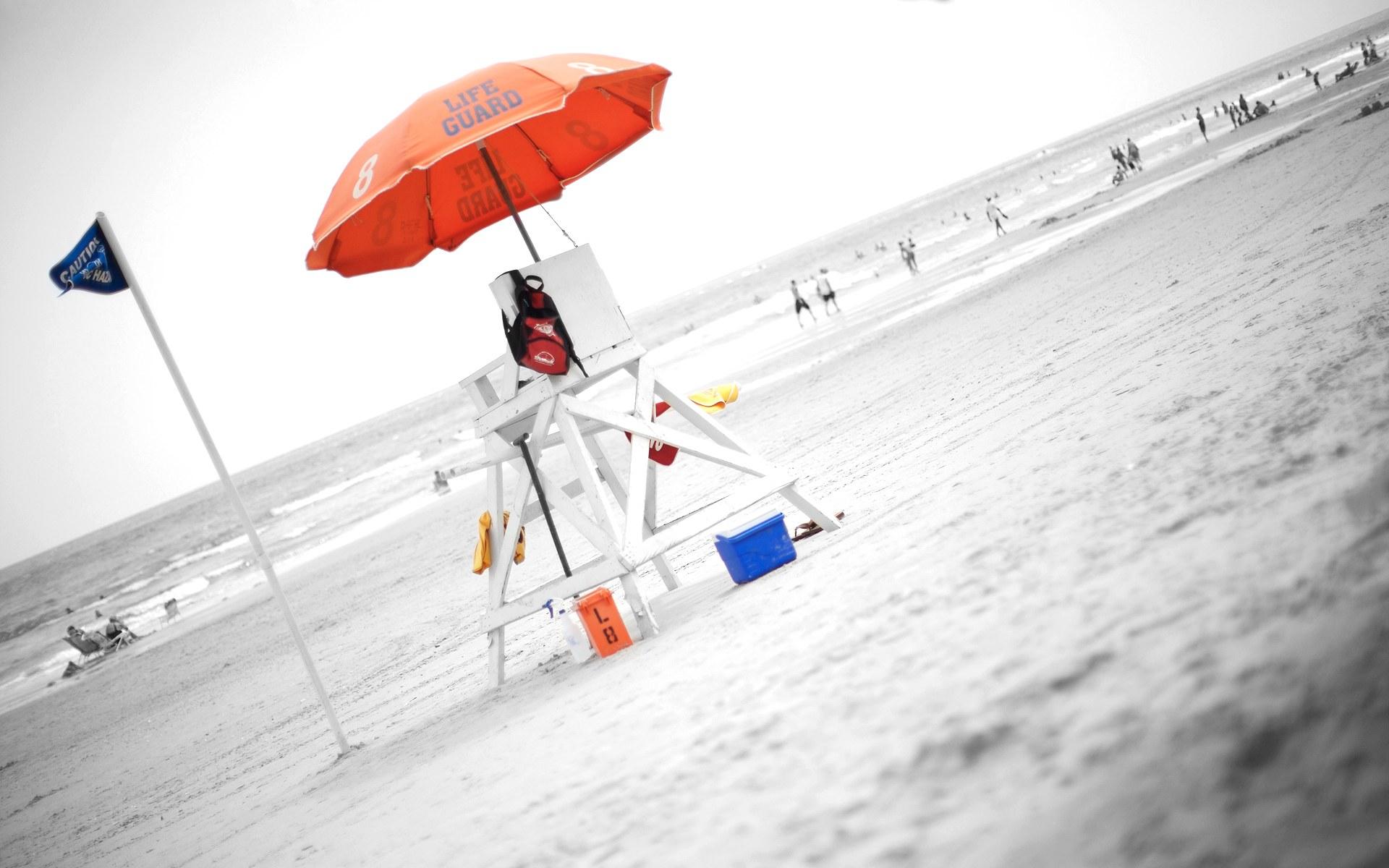 Una sombrilla naranja de playa - 1920x1200