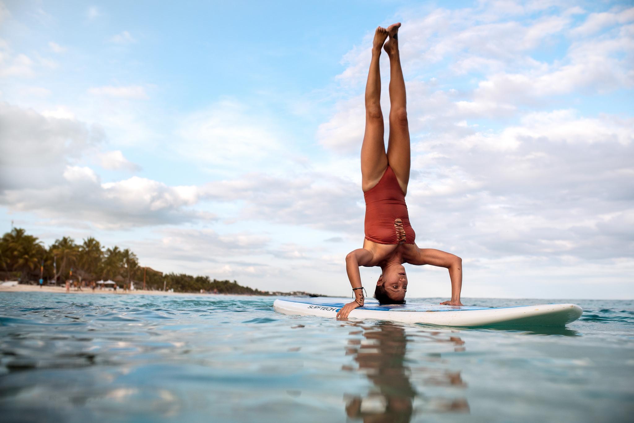 Yoga & Surf - 2048x1367