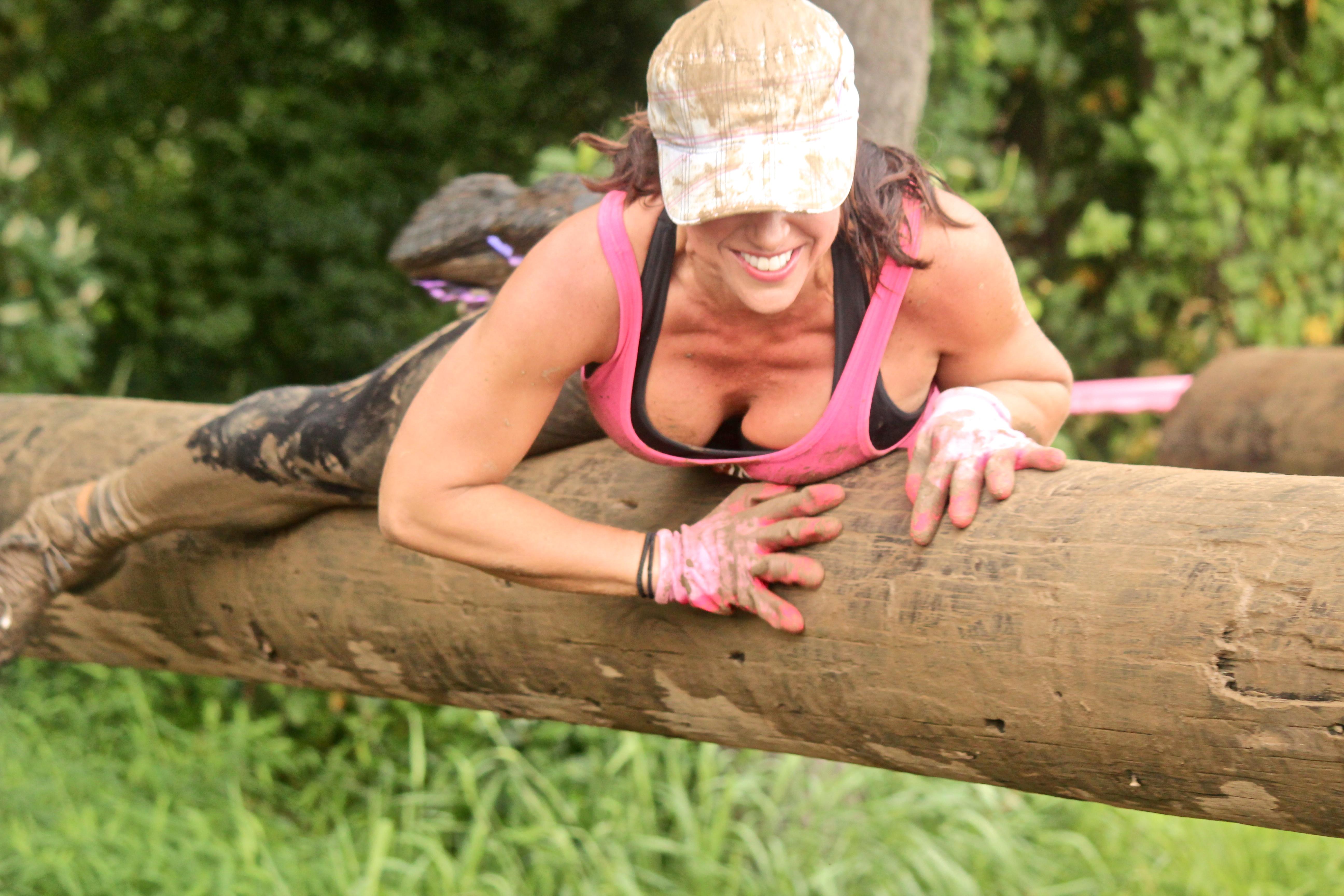 Chicas trepando árboles - 5184x3456