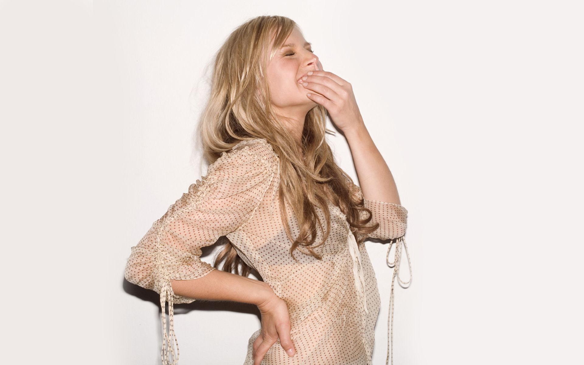 Kristen Bell riéndose - 1920x1200