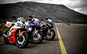 Yamaha R1 y Honda CBR