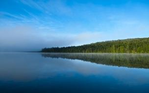 Lago en la Selva