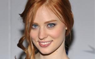 Deborah Ann Woll rostro