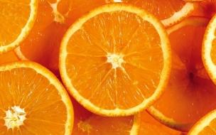Naranjas partidas en mitades