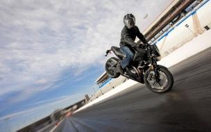 Maniobras con moto