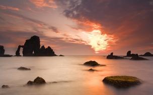 Paisajes de playas rocosas