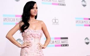 Vestido rosado de Katy Perry