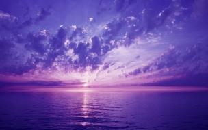 El cielo morado