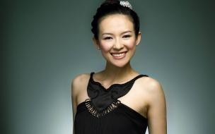 Ziyi Zhang con vestido de gala
