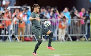 Neymar y el Brazuca