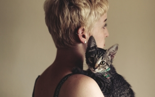 Rubia y su gato